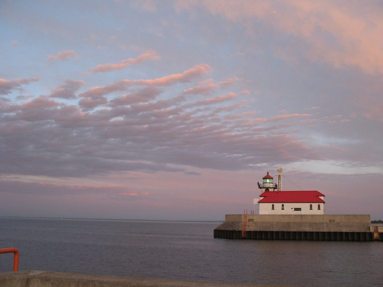 The Perfect Getaway: Dining and Wine Deals in Duluth