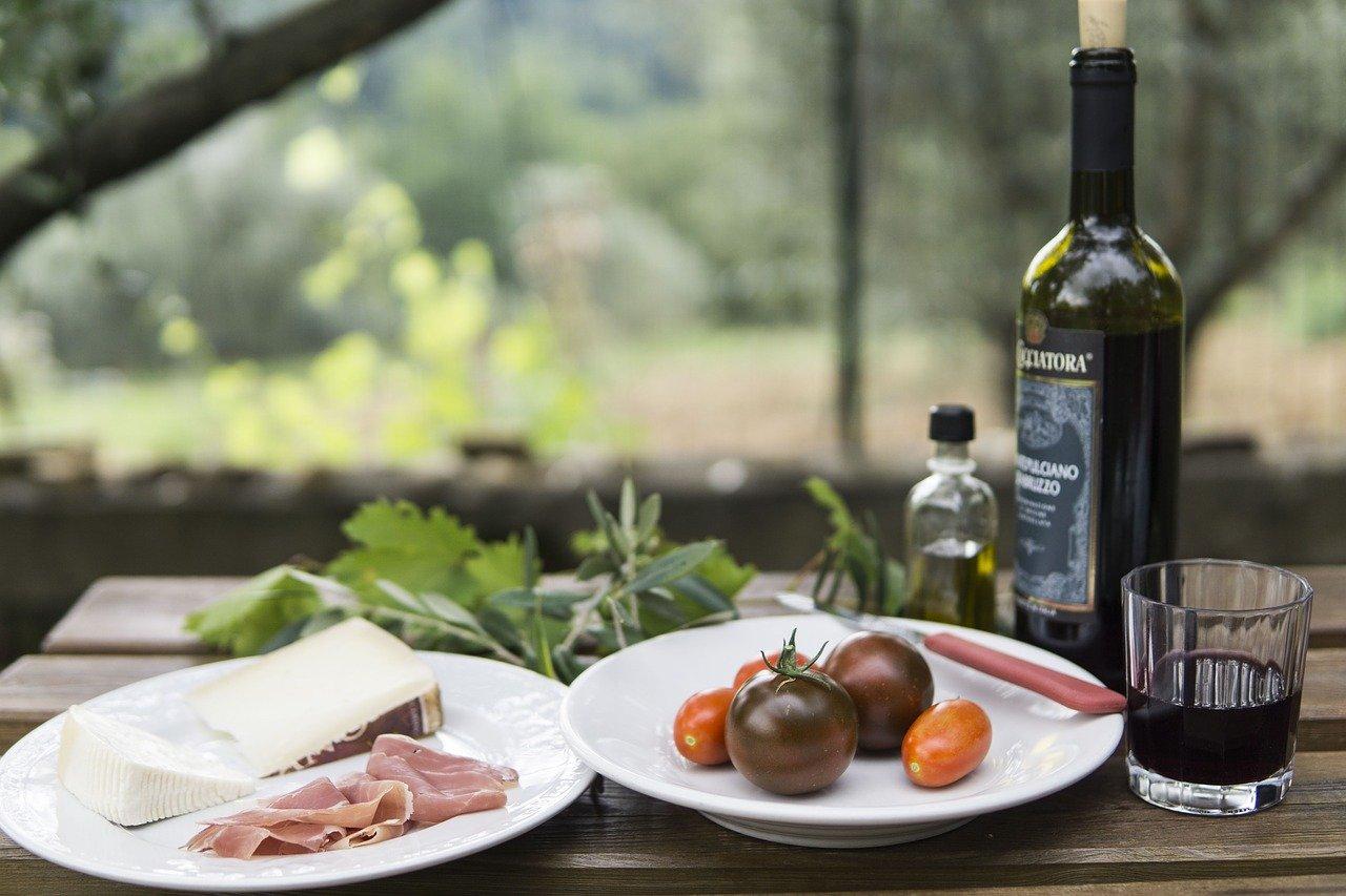picnic, wine, european-3883313.jpg